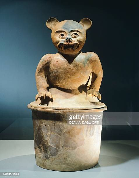 Terracotta zoomorphic incense burner, height 64,5cm, width 22cm. Artifact originating from the Valley of Sula, Field Pineda site . Mayan...