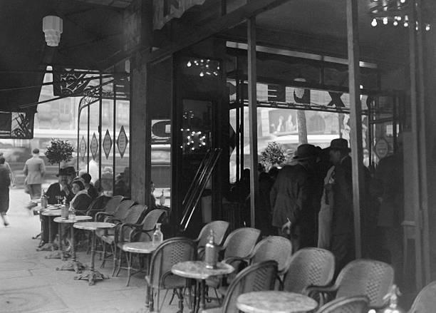 Terrasse D Un Cafe Parisien Pictures Getty Images