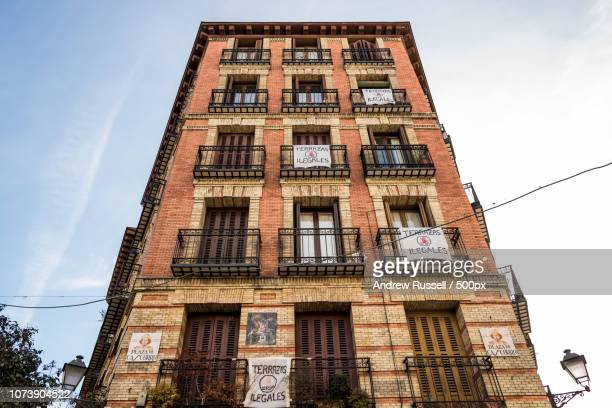 terrazas ilegales - el rastro de madrid - el rastro stock pictures, royalty-free photos & images