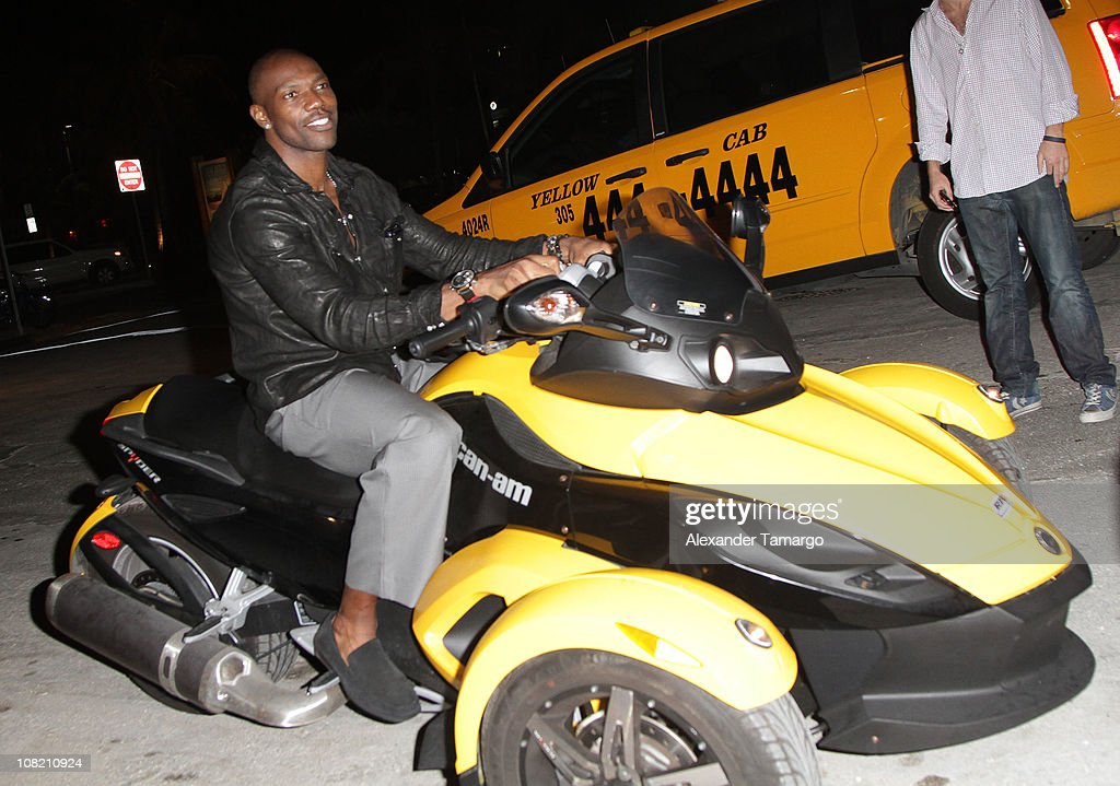 Terrell Owens attends Chad Ochocino's birthday party at Prime 112 on January 20, 2011 in Miami Beach, Florida.