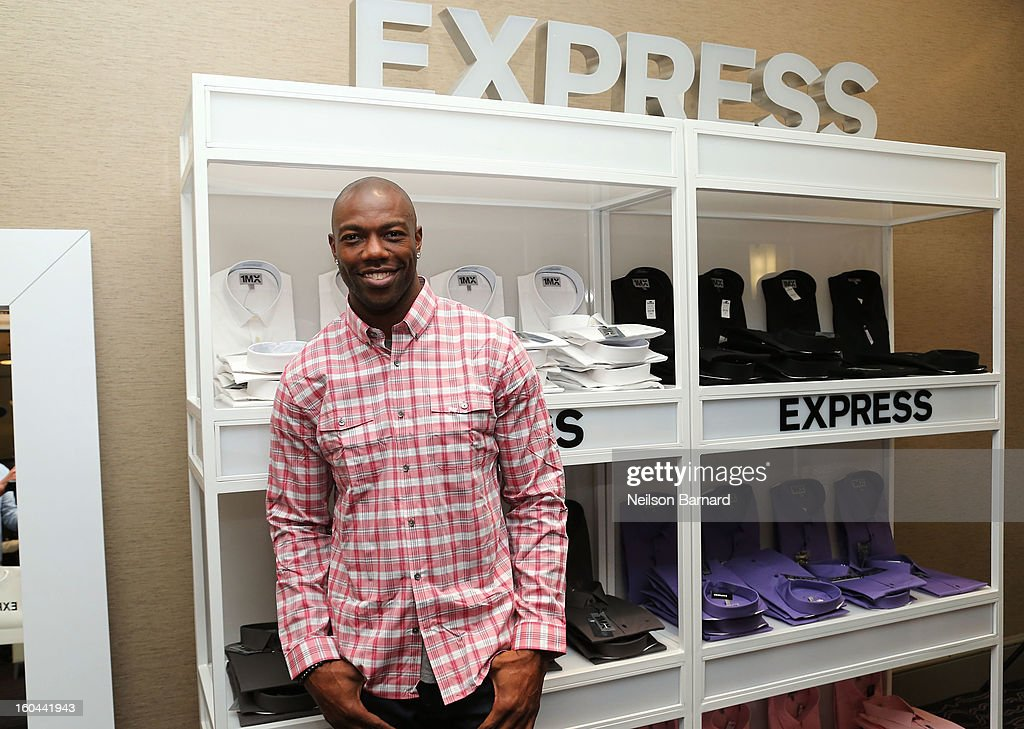 Terrell Owens attends EXPRESS 1MX Ultimate Shirt Shop & 'Welcome to New Orleans' Happy Hour at Hyatt French Quarter Hotel on January 31, 2013 in New Orleans, Louisiana.
