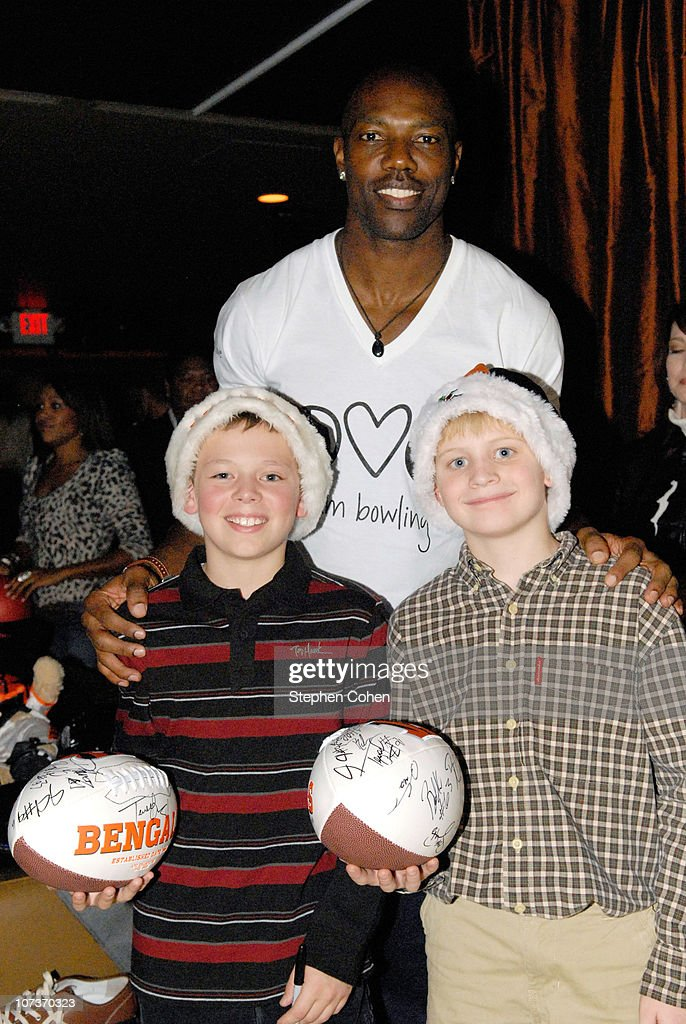 Terrell Owens attends the 81 Cares Bowl presented by Terrell Owens and GQ Magazine at Star Lanes On The Levee on December 6, 2010 in Newport, Kentucky.