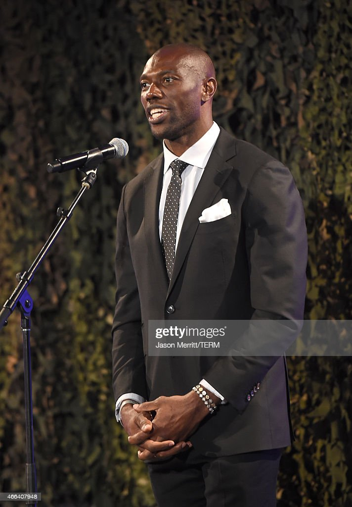 Terrell Owens attends the salute to heroes service gala to benefit The National Foundation For Military Family Support at The Majestic Downtown on March 14, 2015 in Los Angeles, California.