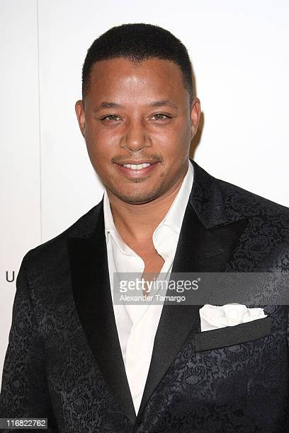 Terrence Howard arrives for the grand opening of Fontainebleau Miami Beach on November 14 2008 in Miami Beach Florida