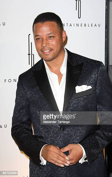 Terrence Howard arrives for the grand opening of Fontainebleau Miami Beach on November 14, 2008 in Miami Beach, Florida.