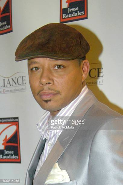 Terrence Howard attends Olympic Artist Jesse Raudales 'Peace for the Children' Art Show' at Los Angeles on February 9 2007