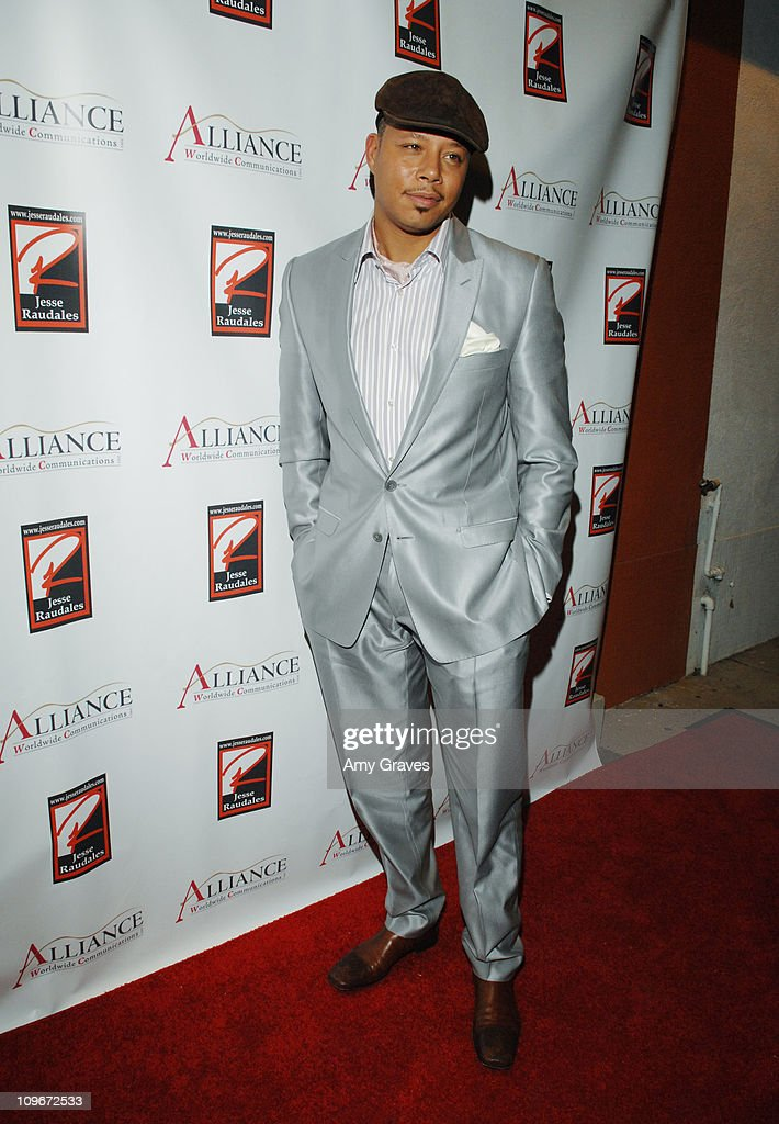Jesse Raudales and Terrence Howard Peace for the Children Art Show : News Photo