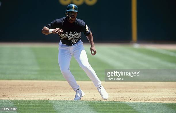 terrence-long-of-the-oakland-athletics-l
