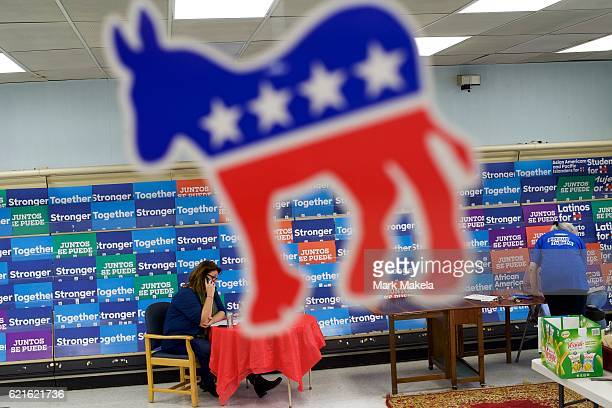 Terri Bridgwater makes calls to prospective voters at Hillary Clinton's Campaign Office November 5 2016 in Lancaster Pennsyvalnia Pennsylvania's 20...