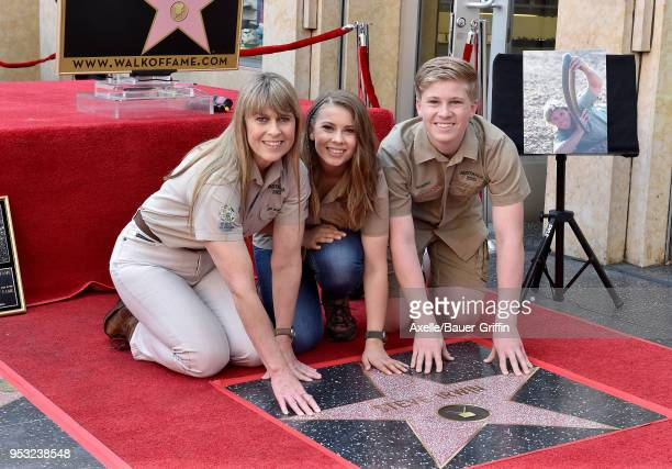 Terri Irwin Bindi Irwin and Robert Irwin attend the ceremony honoring Steve Irwin with star on the Hollywood Walk of Fame on April 26 2018 in...