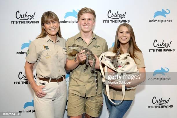 "Terri Irwin Robert Irwin and Bindi Irwin attend as Animal Planet celebrates ""Crikey It's the Irwins"" on October 19 2018 in New York City"