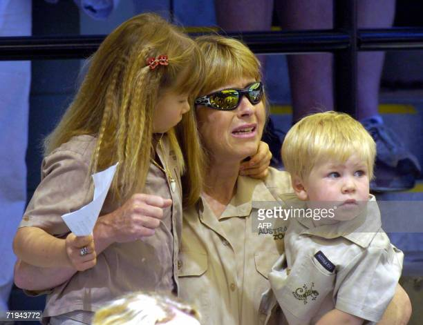 Terri Irwin , wife of Australian environmentalist and television personality Steve Irwin, sits with daughter Bindi and son Bob at a memorial service...