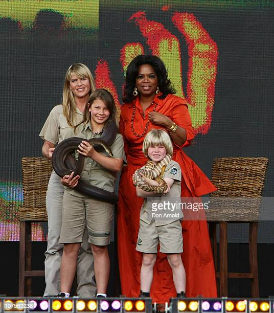 Terri IrwinOprah Winfrey Bindi Irwin and Bob Irwin look out during the first taping of the 'Oprah Winfrey Show' at the Sydney Opera House on December...