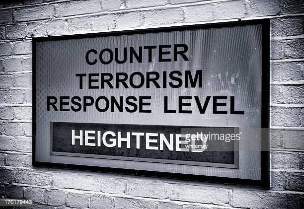 Terrorismus-Warnschild