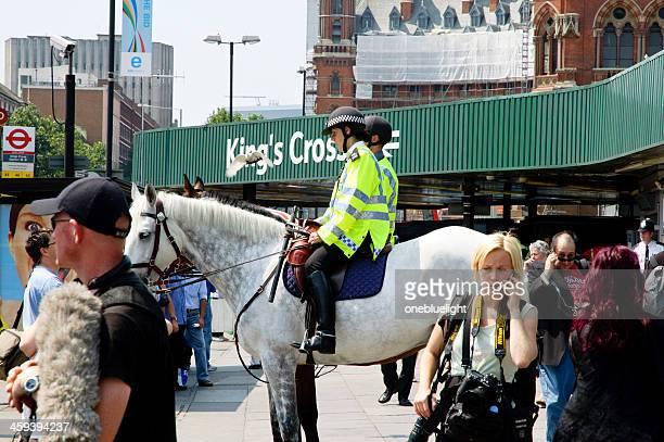 """attentat à la bombe attaque du métro de londres, king s cross"""" - bombardement photos et images de collection"""