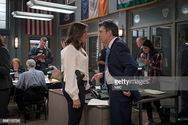 UNIT 'Terrorized' Episode 1801 Pictured Mariska Hargitay as Lieutenant Olivia Benson Peter Gallagher as Chief William Dodds