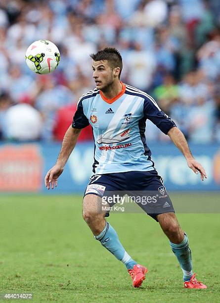 Terry Antonis of Sydney FC controls the ball during the round 18 ALeague match between Sydney FC and the Central Coast Mariners at Allianz Stadium on...