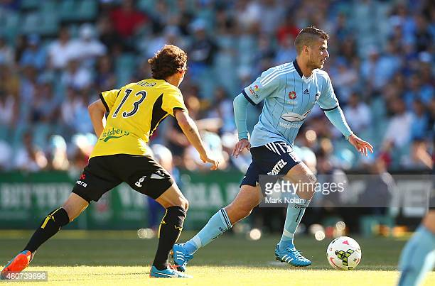 Terry Antonis of Sydney in action during the round 12 ALeague match between Sydney FC and Wellington Phoenix at Allianz Stadium on December 21 2014...