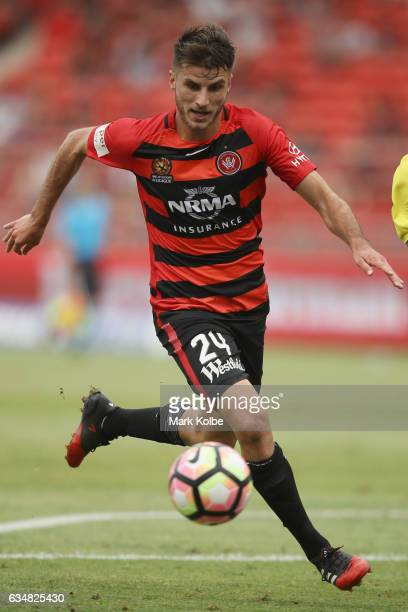 Terry Antonis of the Wanderers runs the ball during the round 19 ALeague match between the Western Sydney Wanderers and the Central Coast mariners at...