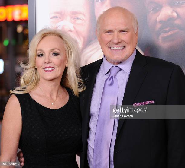 Terry Bradshaw and wife Tammy Bradshaw attend the premiere of 'Father Figures' at TCL Chinese Theatre on December 13 2017 in Hollywood California