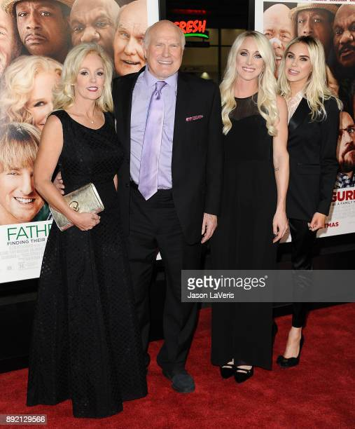 Terry Bradshaw wife Tammy Bradshaw and daughters Erin Bradshaw and Rachel Bradshaw attend the premiere of 'Father Figures' at TCL Chinese Theatre on...