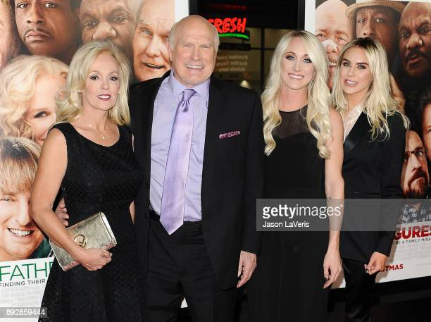 Terry Bradshaw wife Tammy Bradshaw and daughters Erin Bradshaw and Rachel Bradshaw attend the premiere of Father Figures at TCL Chinese Theatre on...