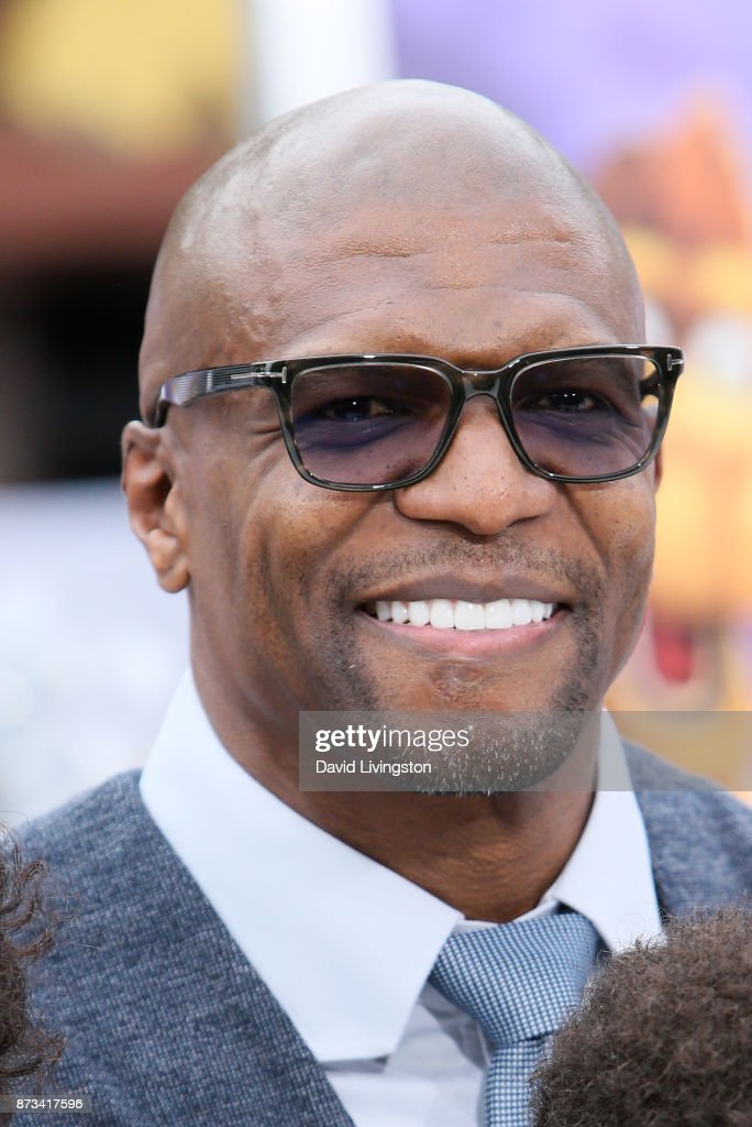 Terry Crews (L) and family arrive at the Premiere of Columbia Pictures' 'The Star' at the Regency Village Theatre on November 12, 2017 in Westwood, California.