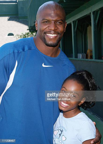 Terry Crews and Imani Hakim during Everybody Hates Chris But Everybody Loves Kids 8th Annual Tennis for Tots Tournament at Los Angeles Tennis Club in...