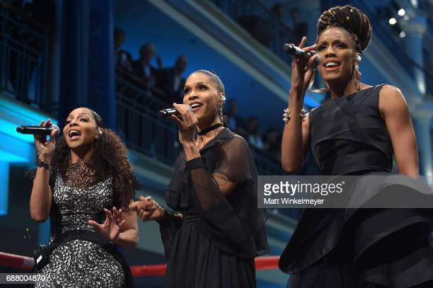 Terry Ellis Cindy HerronBraggs and Rhona Bennett of 'En Vogue' perform onstage at the B Riley Co 8th Annual Big Fighters Big Cause Charity Boxing...