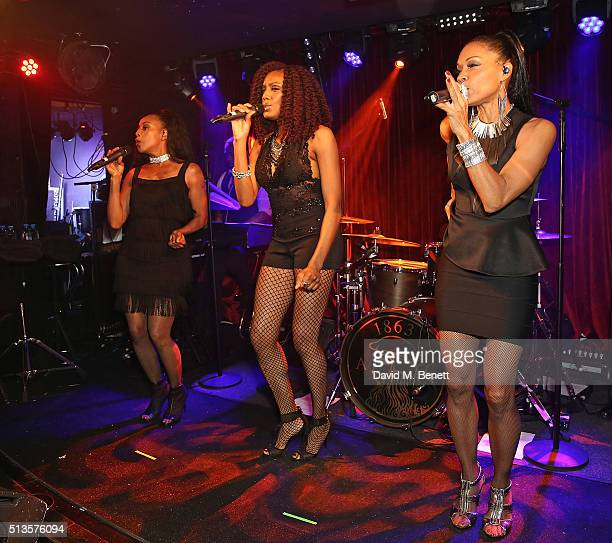Terry Ellis Rhona Bennett and Cindy Herron of En Vogue perform at The Arts Club on March 3 2016 in London England