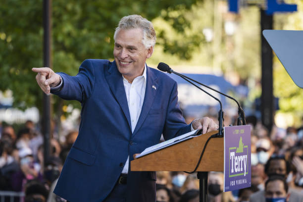 VA: Former President Obama Campaigns With Virginia Democratic Gubernatorial Candidate Terry McAuliffe