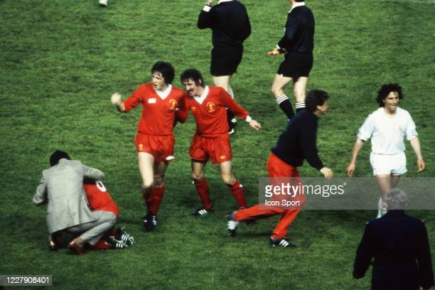 Terry MCDERMOTT of Liverpool celebrate the victory during the European Cup Final match between Liverpool FC and Real Madrid CF at Parc des Princes...