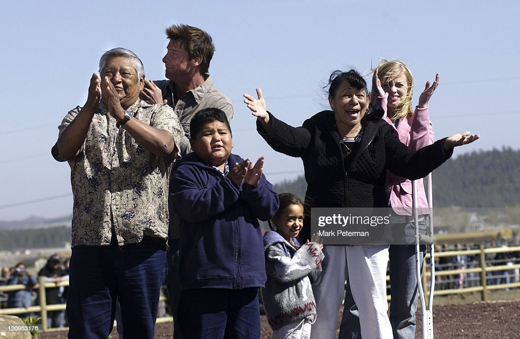 Extreme makeover home edition s02e24 the piestewa family youtube.