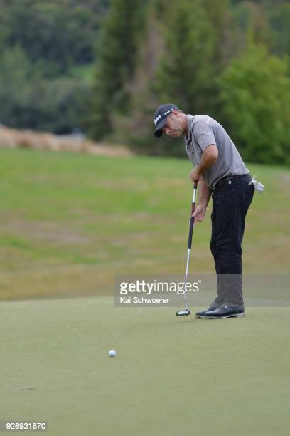 Terry Pilkadaris of Australia putts during day four of the ISPS Handa New Zealand Golf Open at Millbrook Golf Resort on March 4 2018 in Queenstown...