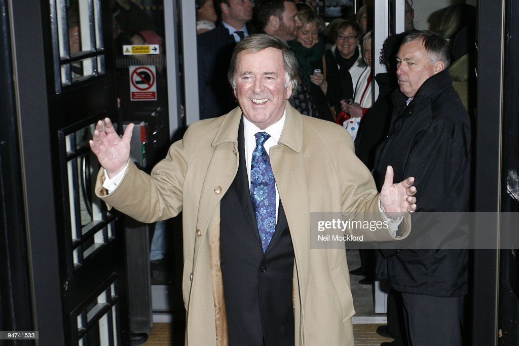 Terry Wogan Departs On The Final Day Of His Radio 2 Show