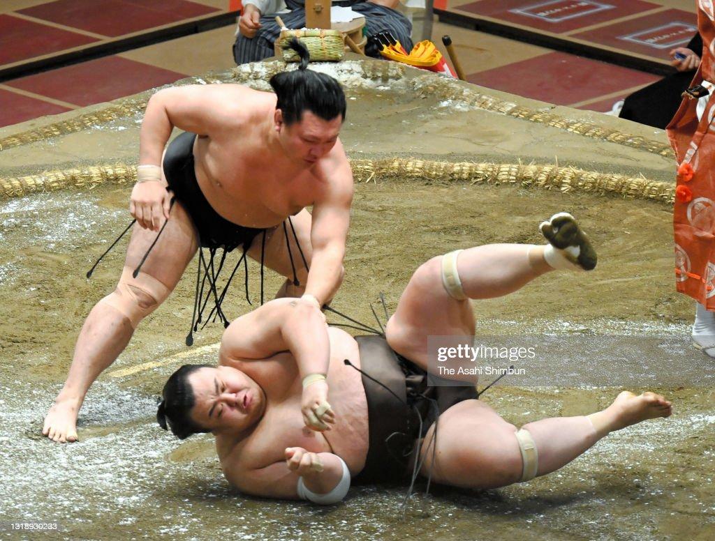 Grand Sumo Summer Tournament - Day 11 : ニュース写真