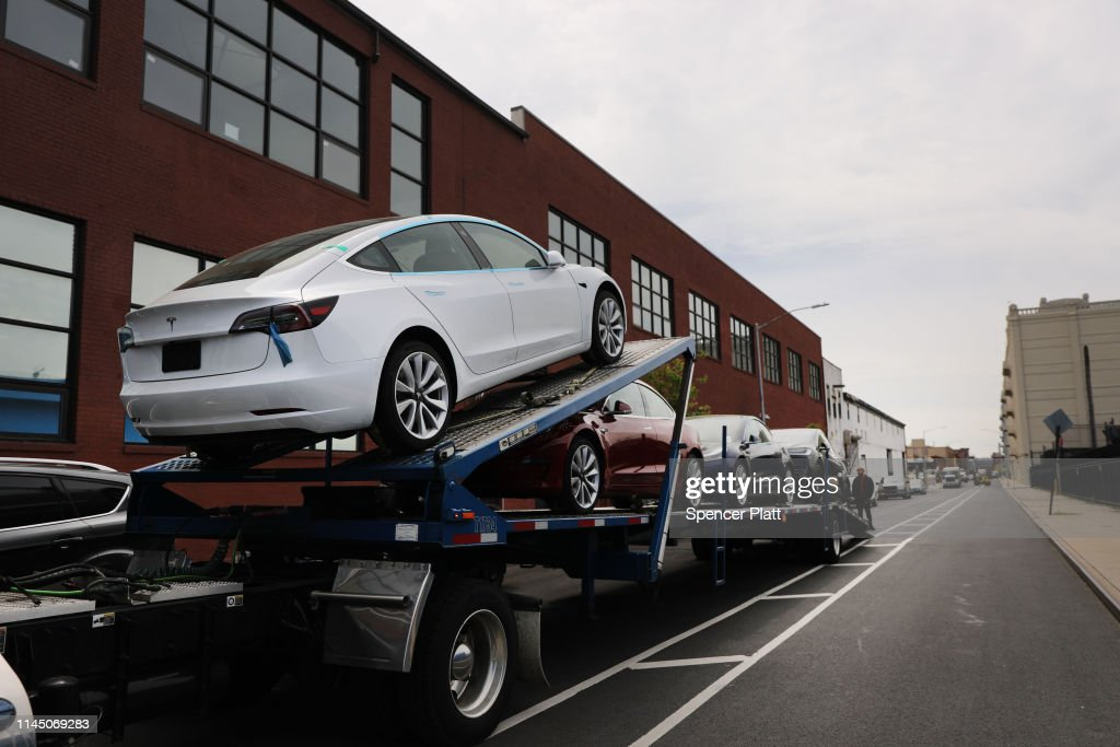 NY: Tesla Posts Large Quarterly Loss