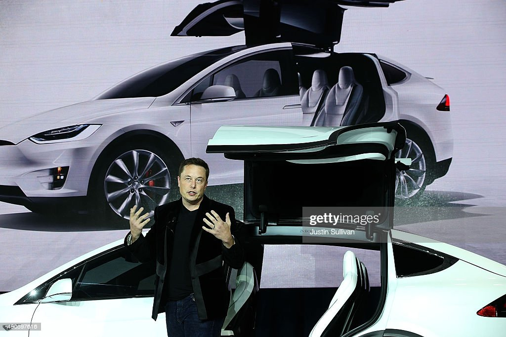 Tesla Debuts Its New Crossover SUV Model, Tesla X : Photo d'actualité