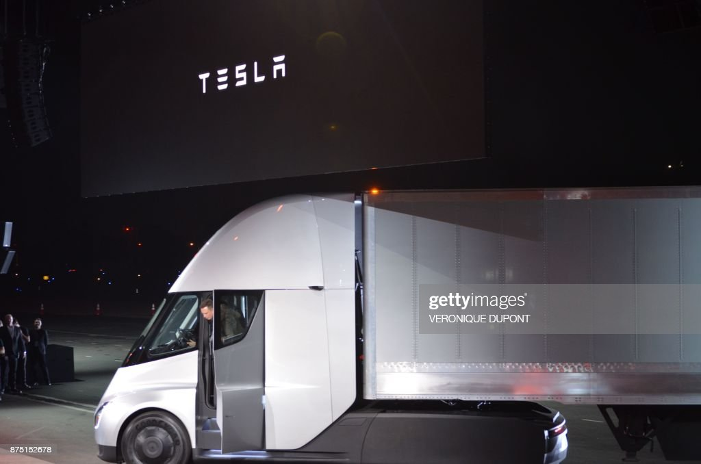 US-ECONOMY-TRANSPORT-TESLA-TRUCK : News Photo