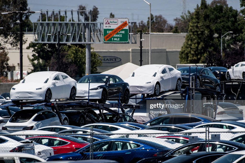 Tesla Builds Giant Tent To Meet Model 3 Production Targets : News Photo