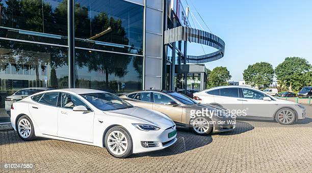 Tesla Model S all-electric and Model X P90D crossover cars