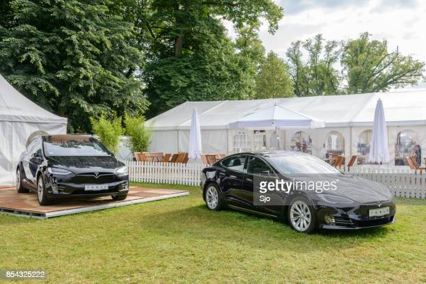 """tesla model x and model s all-electric cars in black - """"sjoerd van der wal"""" or """"sjo"""" stock pictures, royalty-free photos & images"""
