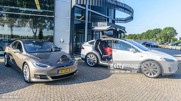 """tesla model x p90d and model s all-electric crossover cars - """"sjoerd van der wal"""" stock pictures, royalty-free photos & images"""