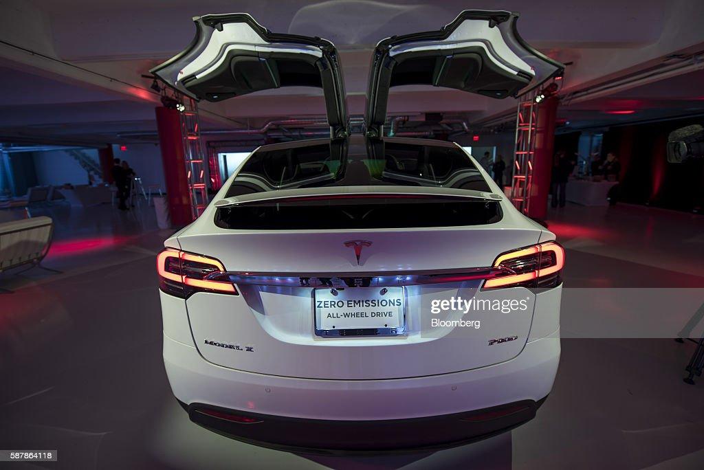 Tesla Opens Flagship San Francisco Store : News Photo