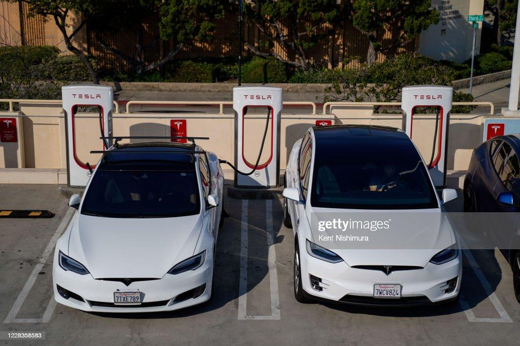 Tesla in Los Angeles California : News Photo