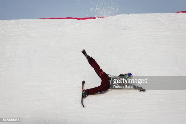Tess Ledeux of France falls on her last jump during the Sosh Big Air finals on October 7 2017 in Annecy France
