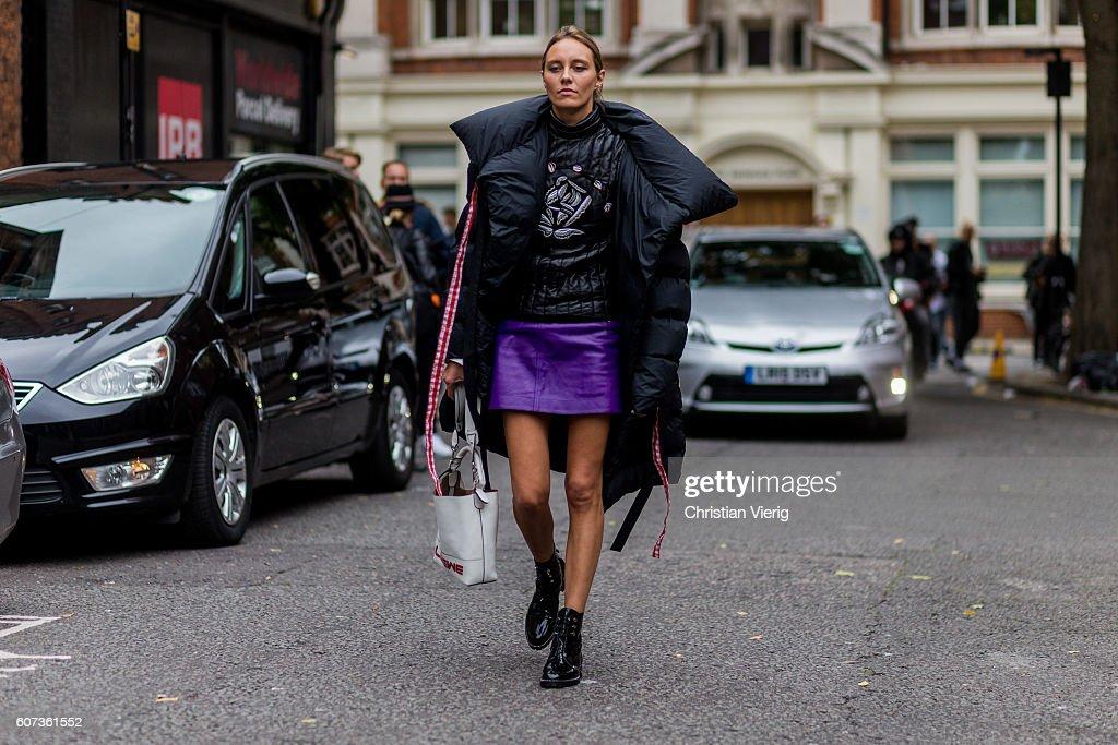 Street Style - Day 2 - LFW September 2016 : News Photo