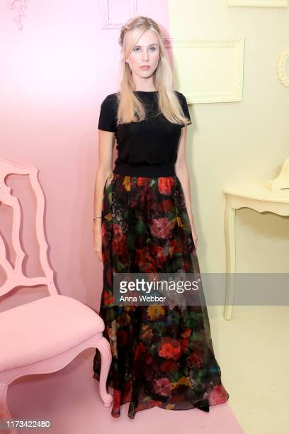 Tessa Hilton attends the alice olivia by Stacey Bendet Spring 2020 Fashion Presentation at Root Studio on September 09 2019 in New York City