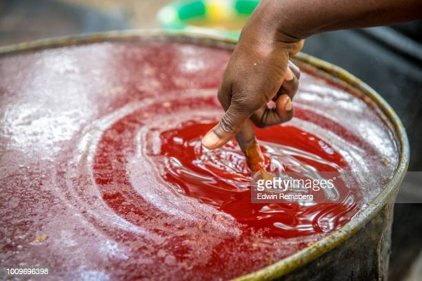 testing the oil - palm oil stock pictures, royalty-free photos & images