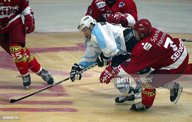 Testspiel 2003, Hannover; Hannover Scorpions - Hamburg Freezers; Rene Roethke/Freezers, Patrick SENGER/Scorpions